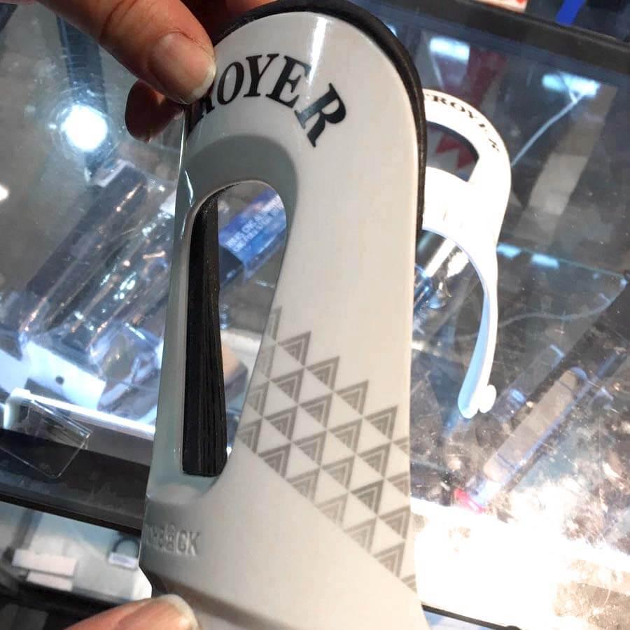 レーザー刻印加工例|ハイバック(スノーボード用品)